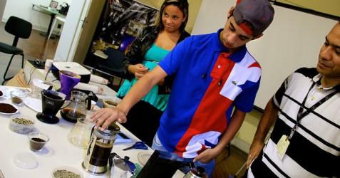 """""""Meu Espresso"""": capacitação de jovens para o mercado de trabalho"""